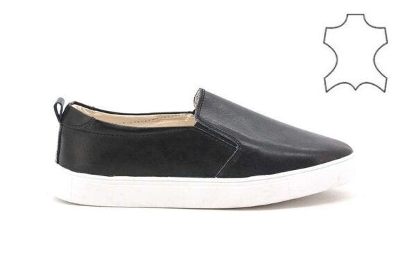 Slip on trainers in leather M206